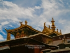 Tibet, Shigatse, Tashilhunpo monastery: The roof of the tomb of the 5th to 9th Panchen Lamas inside the courtyard