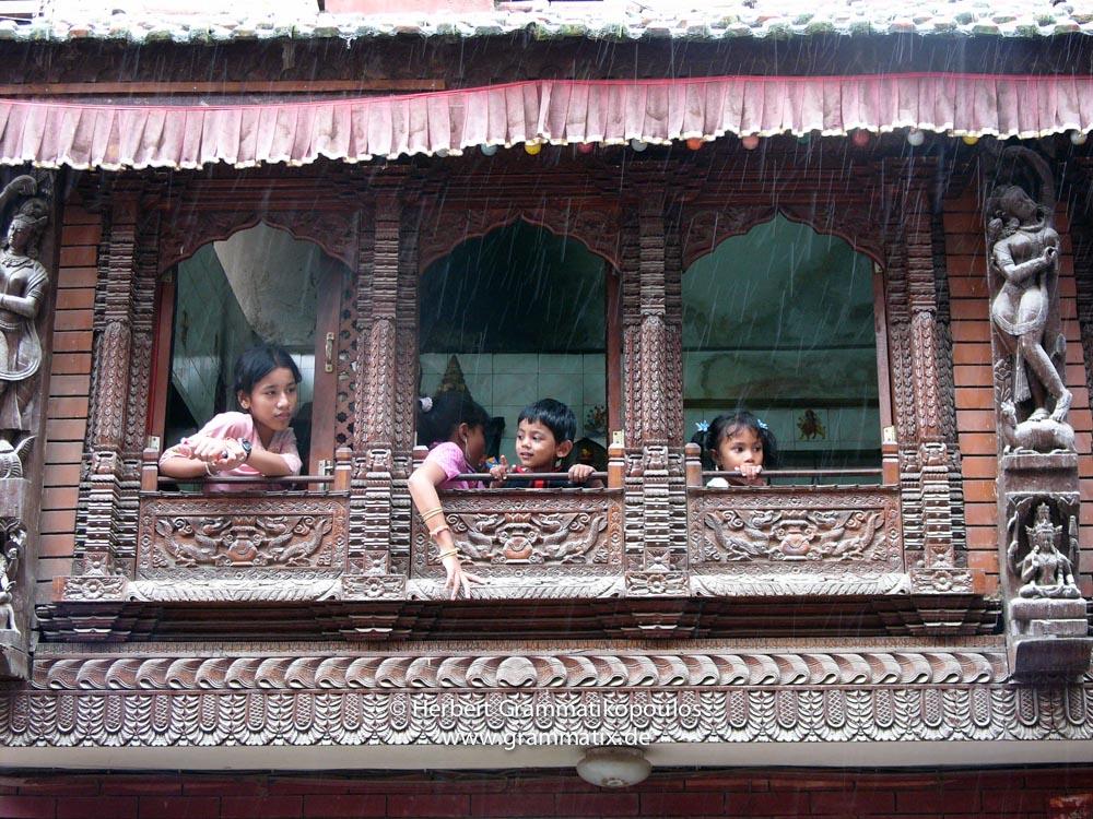 Nepal, Central Region, Bagmati Zone, Kathmandu, Tengan: Beautiful new woodcarved window in Pyaphal Tole