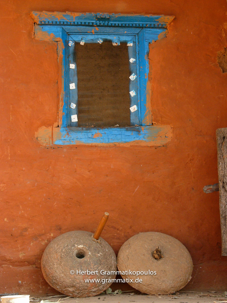 Nepal, Western Region, Lumbini Zone, Palpa District: Detail of a traditional clay house in a village between Bagnas and Maidan Dada