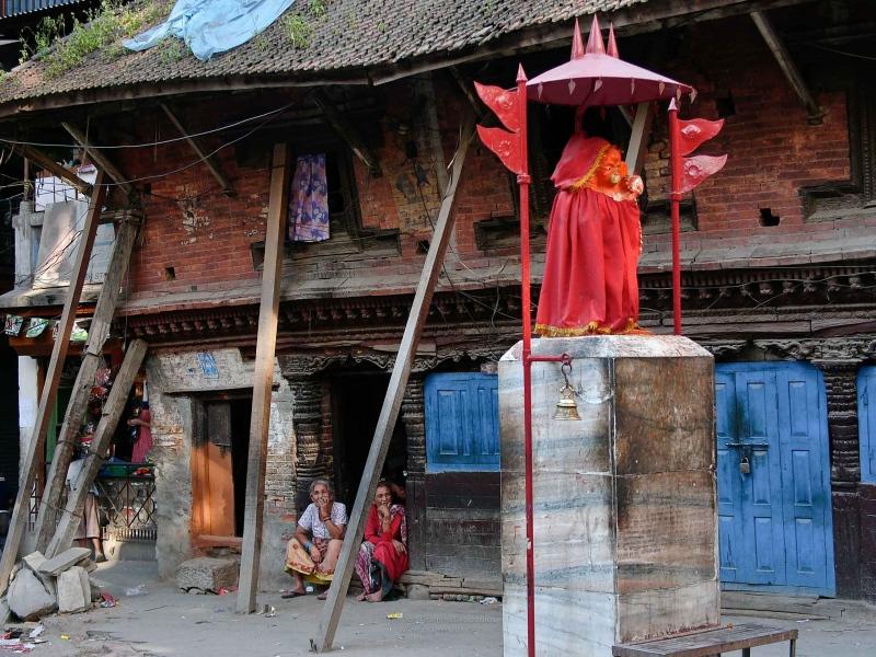 Exhibition 'Nepal' in the Theaterhaus Stuttgart 2019 - III.2 Streetscenes Ladies