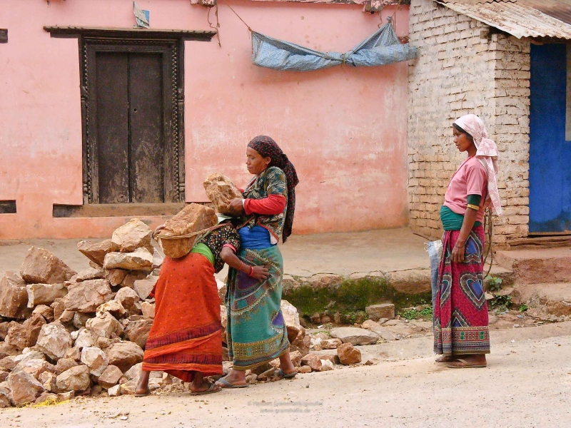 Exhibition 'Nepal' in the Theaterhaus Stuttgart 2019 - III.3 Streetscenes Women at work