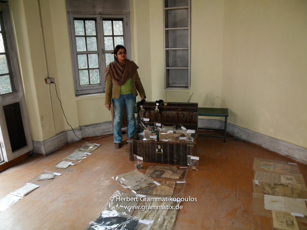 India, Kashmir, Srinagar, Khoj International Artists Workshop 2007: Installation of Sonal Janai (Assam), video artist