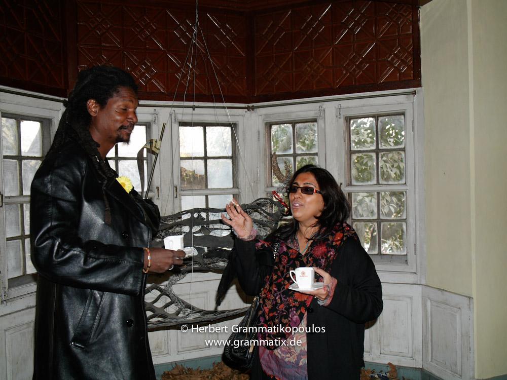 India, Kashmir, Srinagar, Khoj International Artists Workshop 2007: Fiel dos Santos Rafael from Mozambique in front of his installation with the curator of Khoj International Artist Group, New Delhi