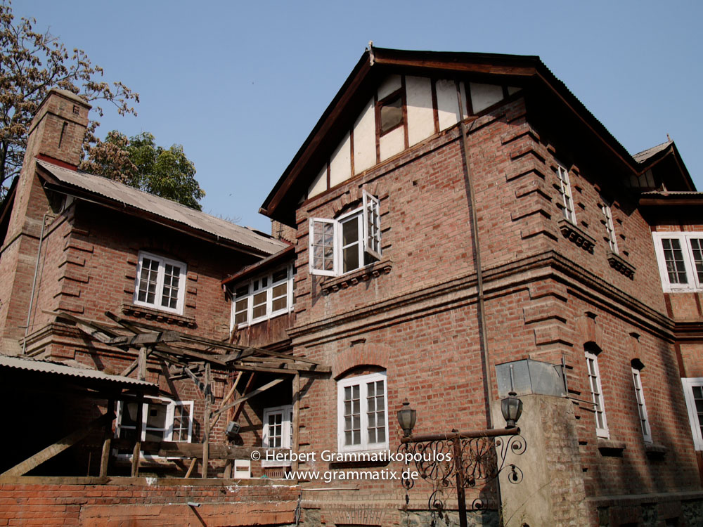 India, Kashmir, Srinagar, Khoj International Artists Workshop 2007: Backside of the villa on the compound of the exhibition