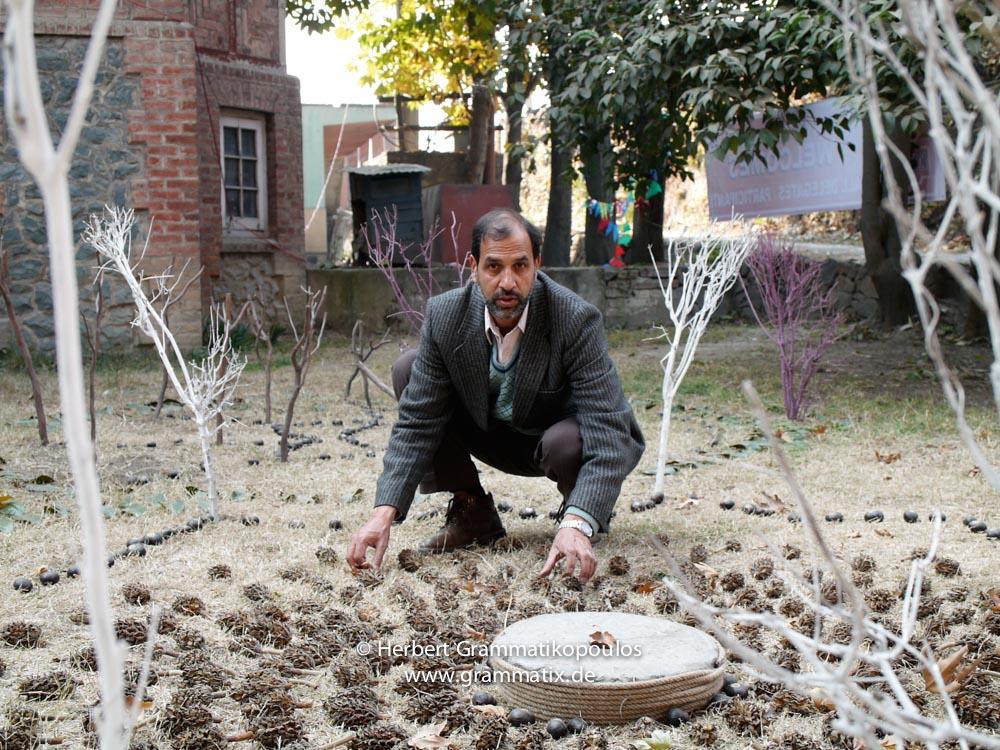 India, Kashmir, Srinagar, Khoj International Artists Workshop 2007: Aftab Ahmard, teacher at the Fine Arts College with his installation
