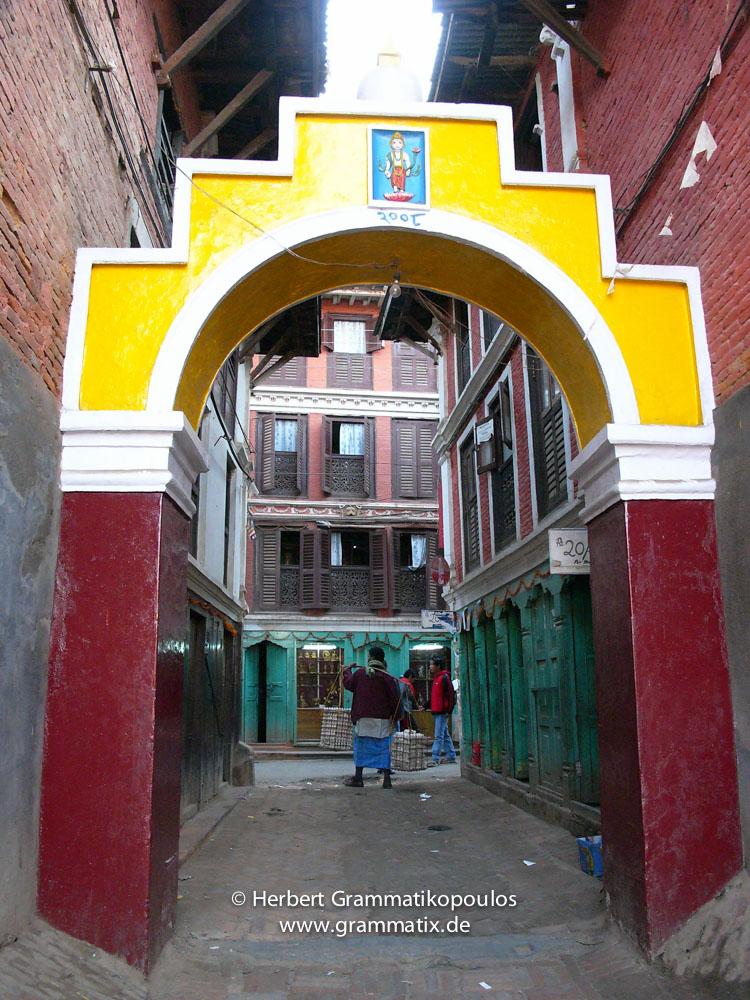 Nepal, Central Region, Bagmati Zone, Lalitpur, Patan, Golden Temple/Dhaugal: Egg-porter
