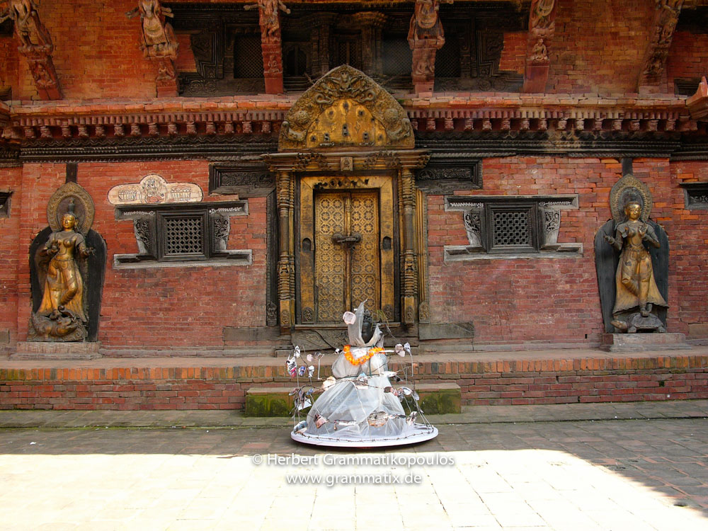 "Nepal, Central Region, Bagmati Zone, Lalitpur, Patan, Durbar Square, Sutra International Workshop: My object ""Prisoned Peace"" after the public presentation on the Durbar Square inside Mul Chowk"