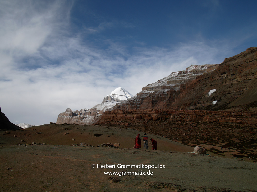 "Tibet, Purang, Tarboche (ca. 4670m), Kailash Kora: The day before the ""Saga Dawa""-festival (enlightment of Buddha; 3rd fullmoon after the Tibetan new year) in the south of valley Lha Chu river (River of Gods)"